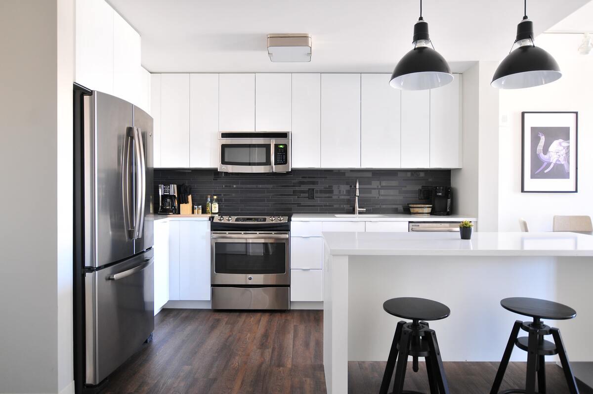 Modern Kitchen with Glossy Finish