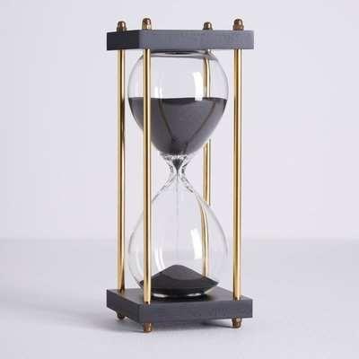 5A Fifth Avenue Hourglass Black