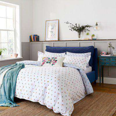 Joules Botanical Bugs Chalk 100% Brushed Cotton Duvet Cover Set Chalky White