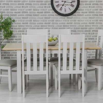 Ohyeap Extending Wooden Dining Table In Oak Veneer