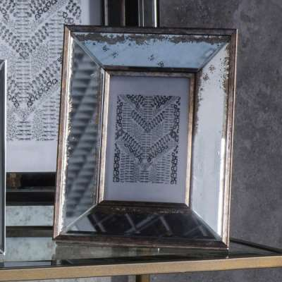 Dickinson Wide Bevelled Mirror Photo Frame 4x6