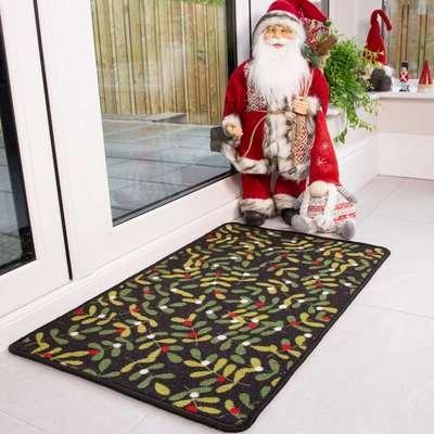 Green Holly Christmas Decoration Mat | Luna