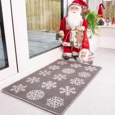 Grey Snowflake Christmas Decoration Mat | Luna