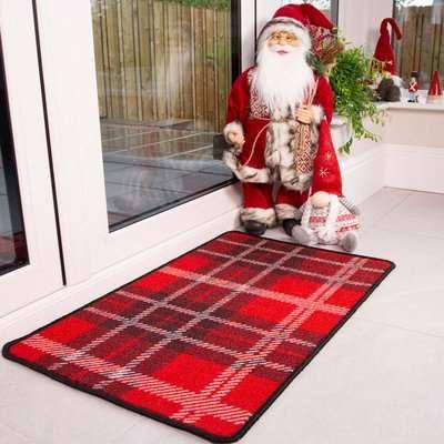 Red Tartan Christmas Decoration Mat | Luna