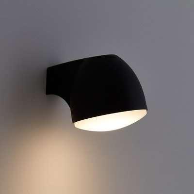 Aiga Indoor/Outdoor Wall Light in Aluminium