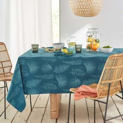 Almenada Patterned Polycotton Tablecloth with Anti-Stain Technology