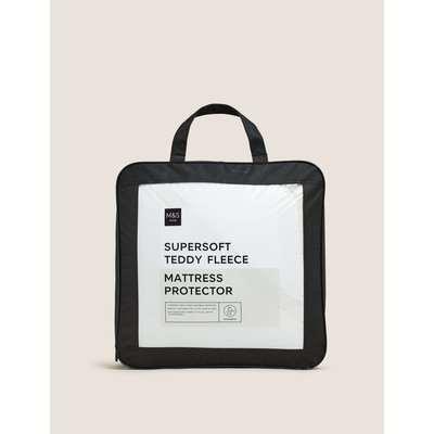 Teddy Fleece Mattress Protector cream