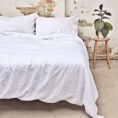 Piglet White Basic Bundle Size Super King (with Super King Pillowcases) | 100% Natural Stonewashed French flax