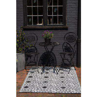 Diamond Key Pattern Reversible Outdoor Garden Rug