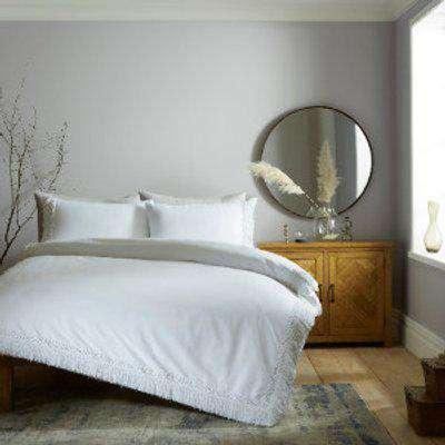 Celeste Macrame 180 Thread Count Duvet Cover and Pillowcase Set - White / Super King